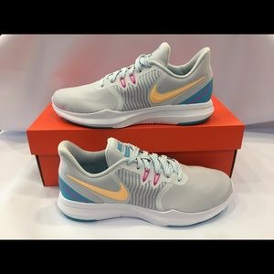 Nike Women's In Season Trainer 8